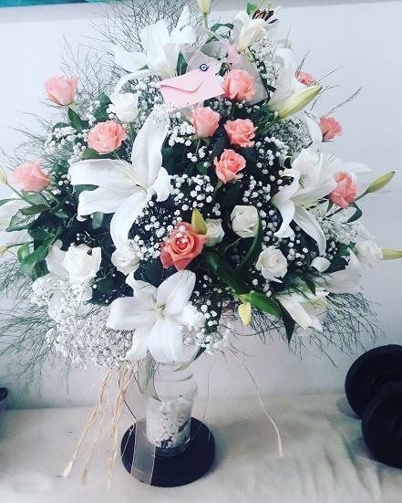 Pembe Beyaz Çiçek